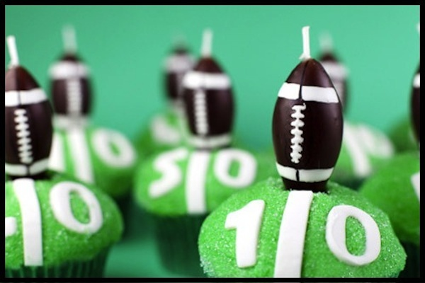 Football-Super-Bowl-Cupcakes-Camille-Styles1