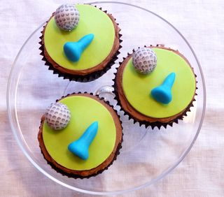 Golf ball and tee cupcakes
