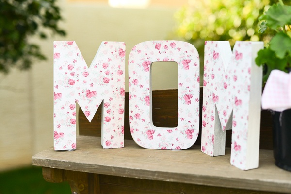 Mother 39 s day mom decorations b lovely events - Decoracion dia de la madre ...