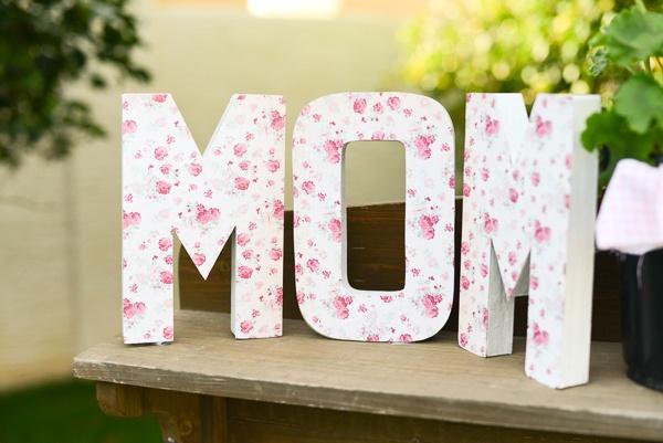 Mother 39 s day mom decorations b lovely events for Decoracion para el dia de la madre
