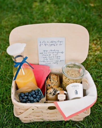 Wedding Morning Gift Basket : picnic basket ideas for weddings and 4th of July
