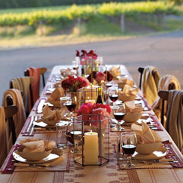 Fabulous tablescape for an outdoor dinner party b lovely Fall decorating ideas for dinner party