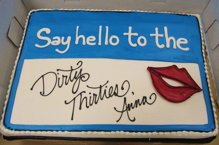 Dirty Thirty Birthday Cake-Love this!