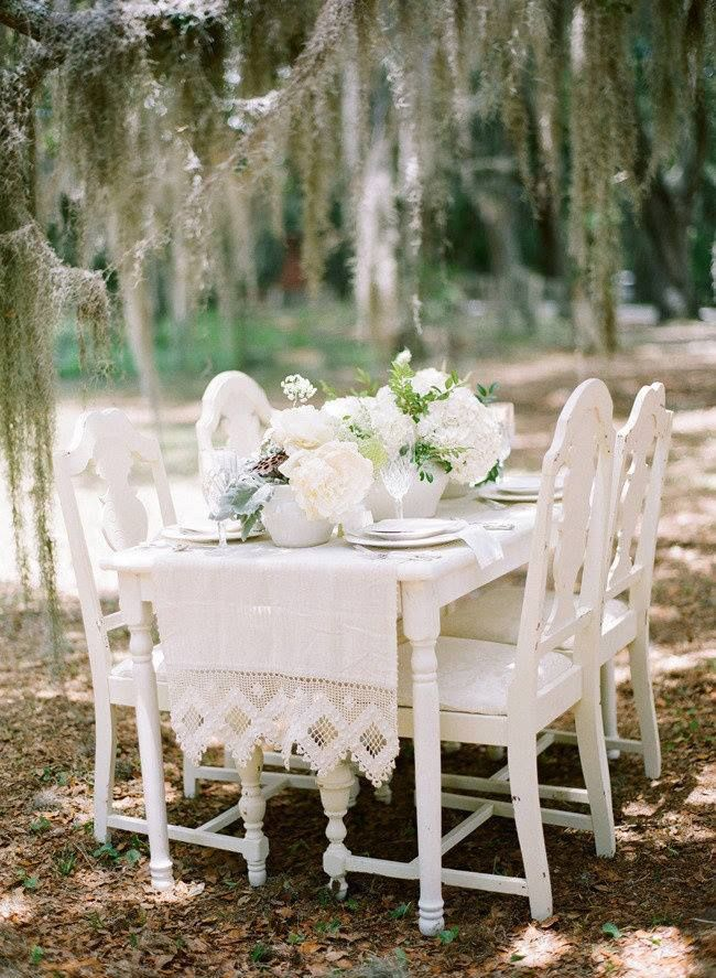 Beautifu White Wedding Tablescape