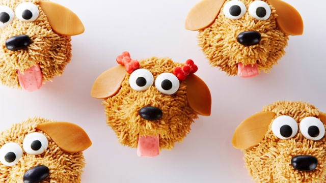 Brown fuzzy doggie cupcakes!