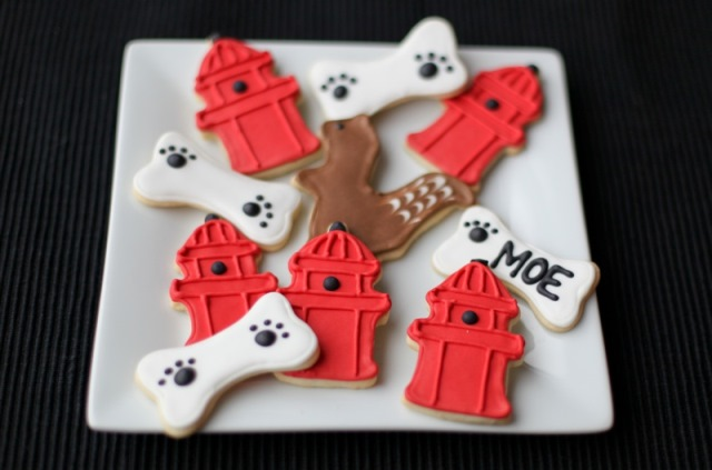 Dog birthday cookies with fire hydrants, squirrels and bones!