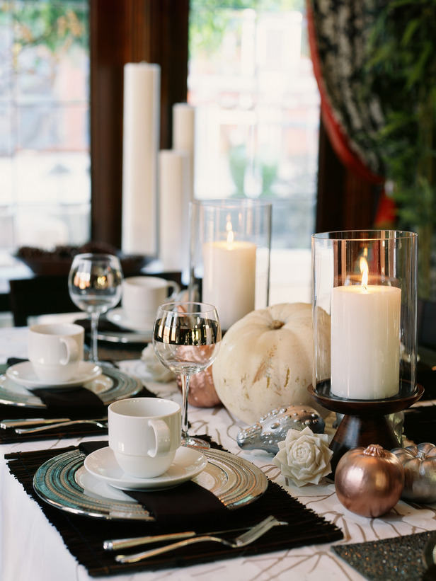 Elegant Metallic Fall Tablescape