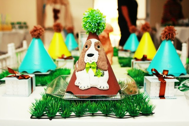 Puppy Dog Brithday Party Hats and table-Love this!