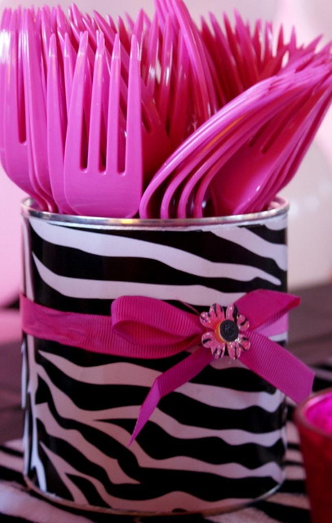 Zebra party utencils
