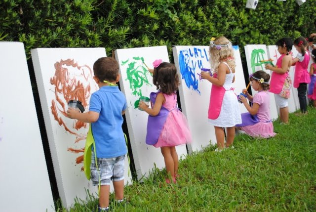 Throw a lovely art party b lovely events Fun painting ideas for toddlers