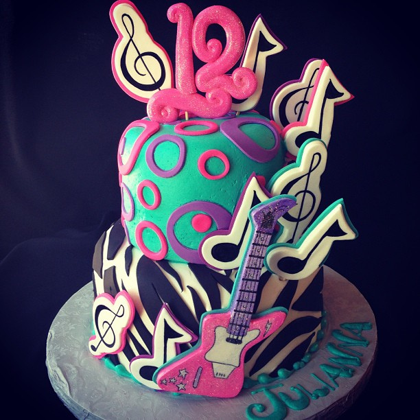 Awesome Rockstar party cake