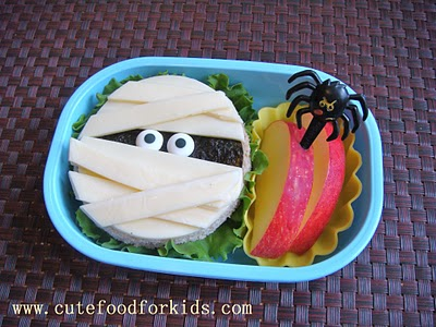 Cute Mummy Sandwiches!