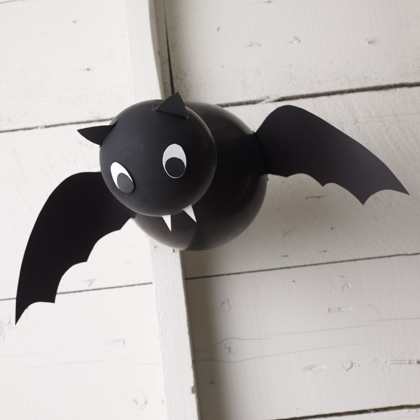 DIY Vampire Bat Balloon decorations for Halloween!