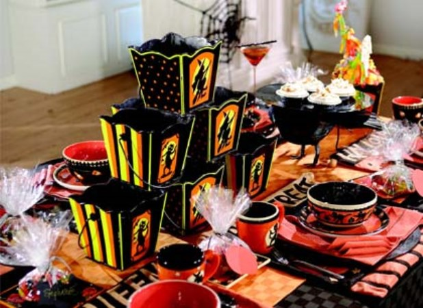 Fun orange and black halloween tablescape!
