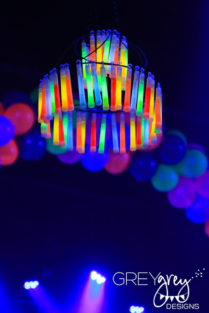 Bright Ideas For A Neon Glow In The Dark Party! - B. Lovely Events