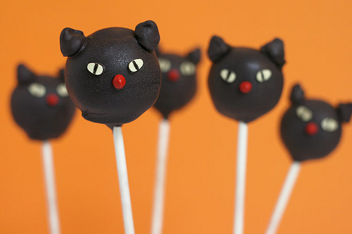 Halloween Black Cat cake pops!