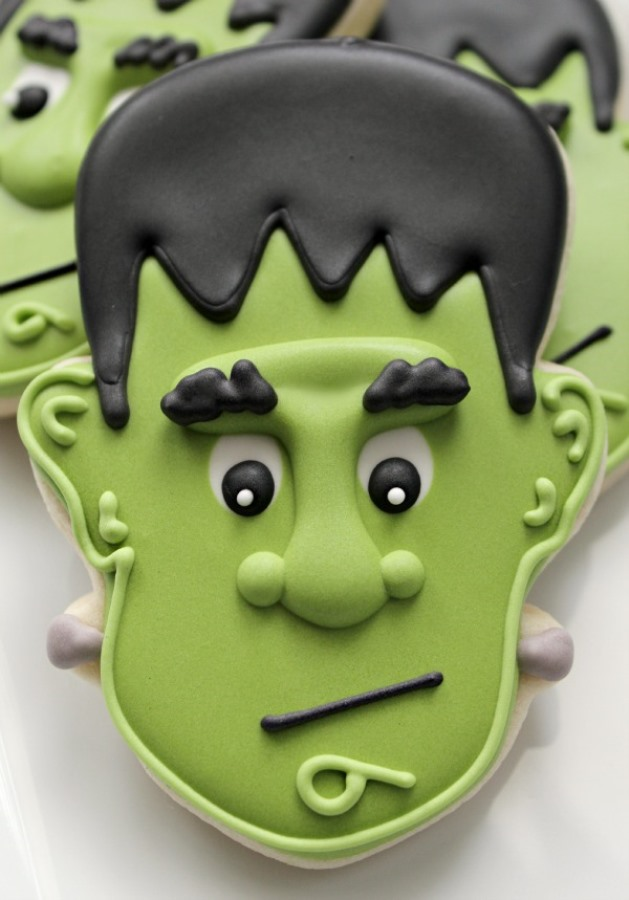 Love these frankenstien cookies!