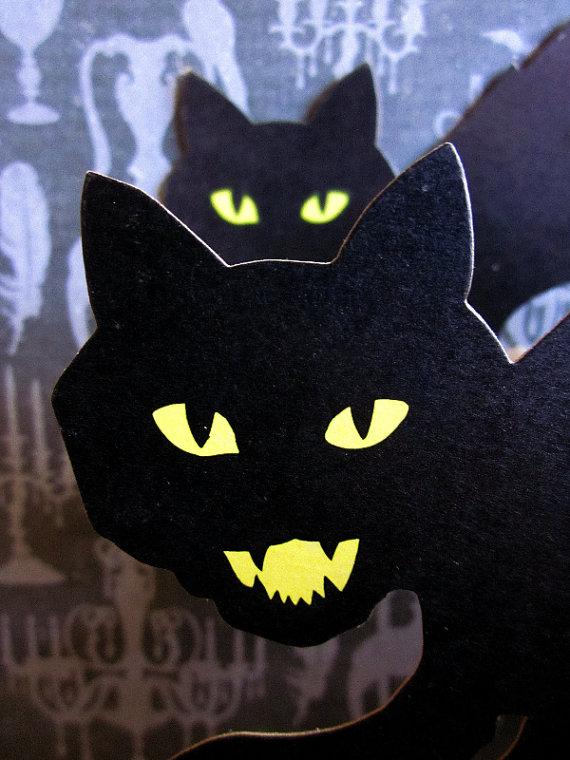 Love these vintage Halloween cat decorations