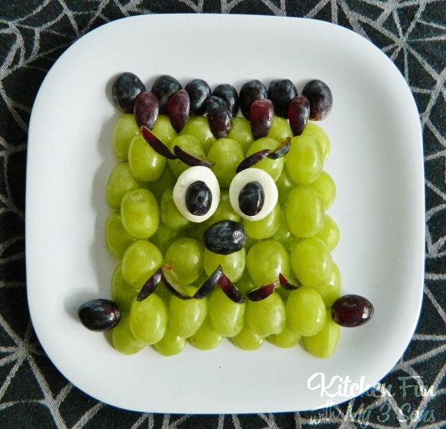Love this Frankenstein Fruit tray!