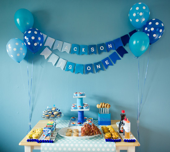 Shades of Blue Dessert table