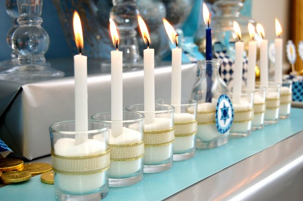 Cute hanukkah menorah display