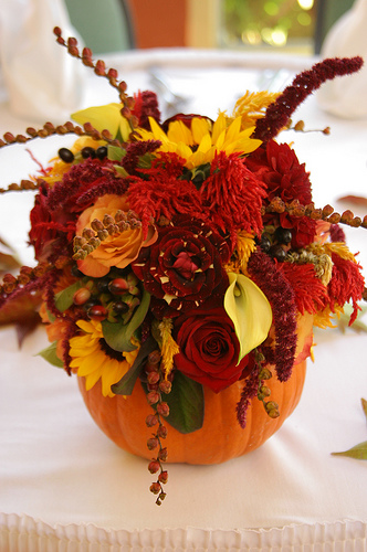 falling for these fall centerpieces b lovely events. Black Bedroom Furniture Sets. Home Design Ideas