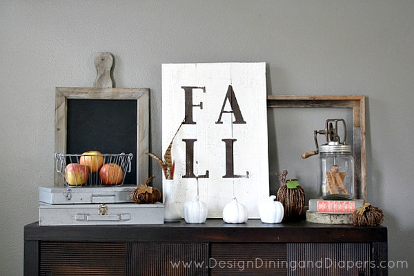 Love this Thanksgiving Fall Mantel
