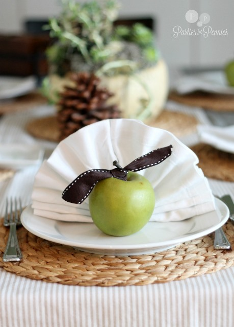Super creative Thanksgiving placesetting