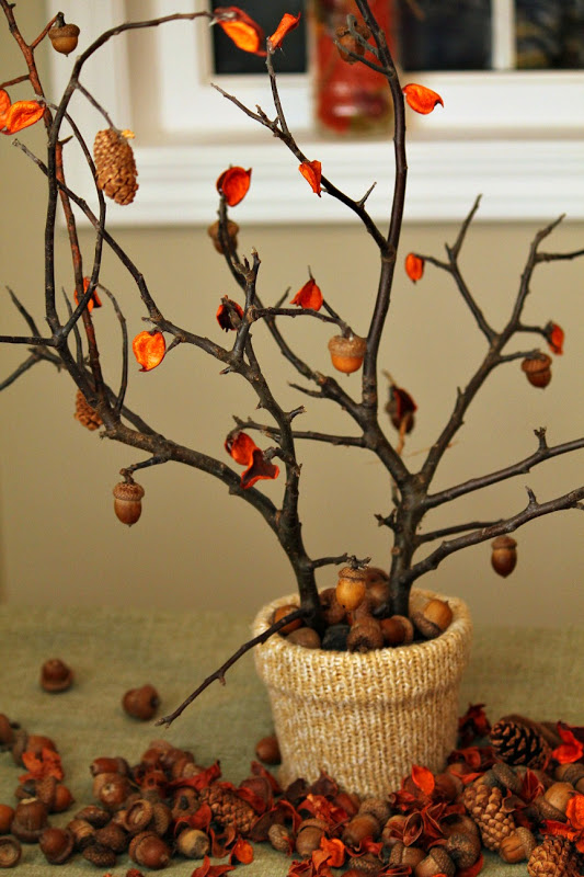 Too Cute Acorn branch Thanksgiving centerpiece