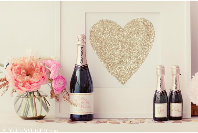 Gold glitter heart decorations