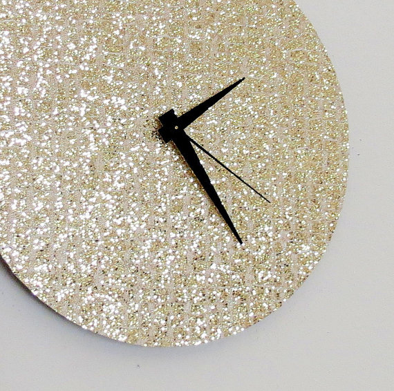 Lovely gold glitter ideas b lovely events - Sparkle wall decor ...