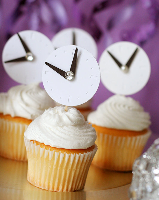 New Years Eve cupcakes with clock toppers!