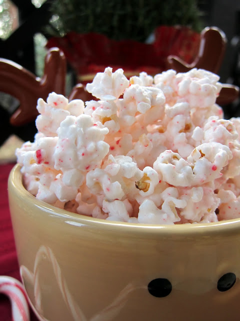 Peppermint Bark Popcorn-Yum!