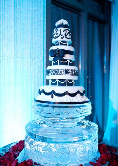 Ice Sculpture Cake Stand