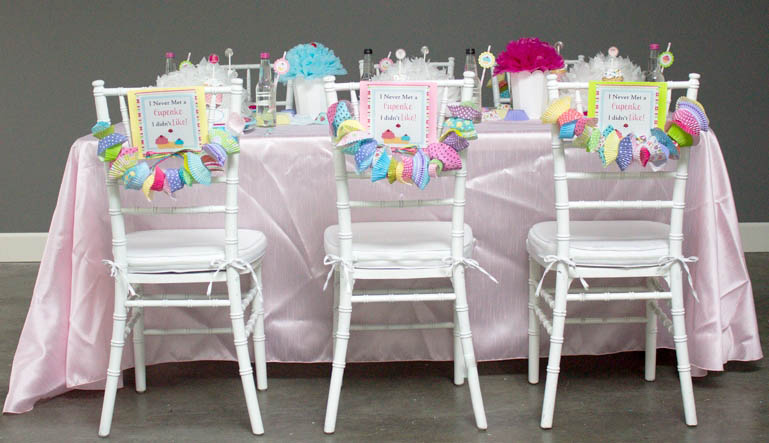 Love these cupcake party tables! - B. Lovely Events