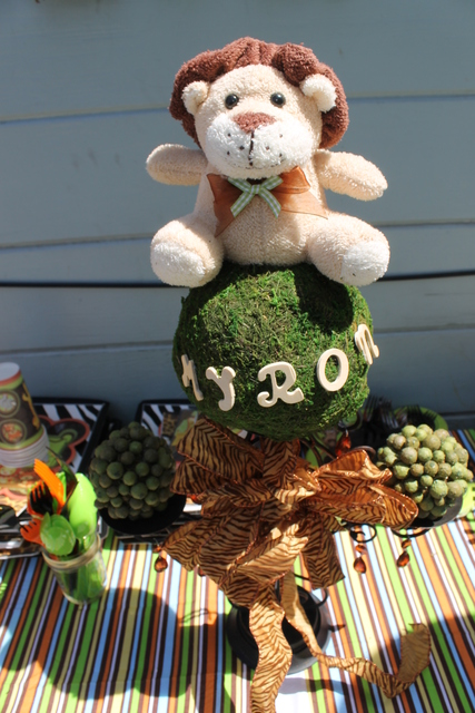 Cute safari centerpieces for a boys baby shower