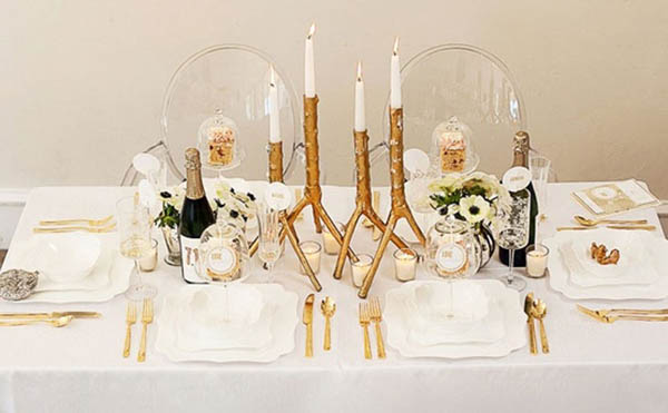Modern and rustic wedding tablescape
