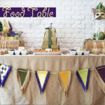 Love this Mardi Gras kids food table