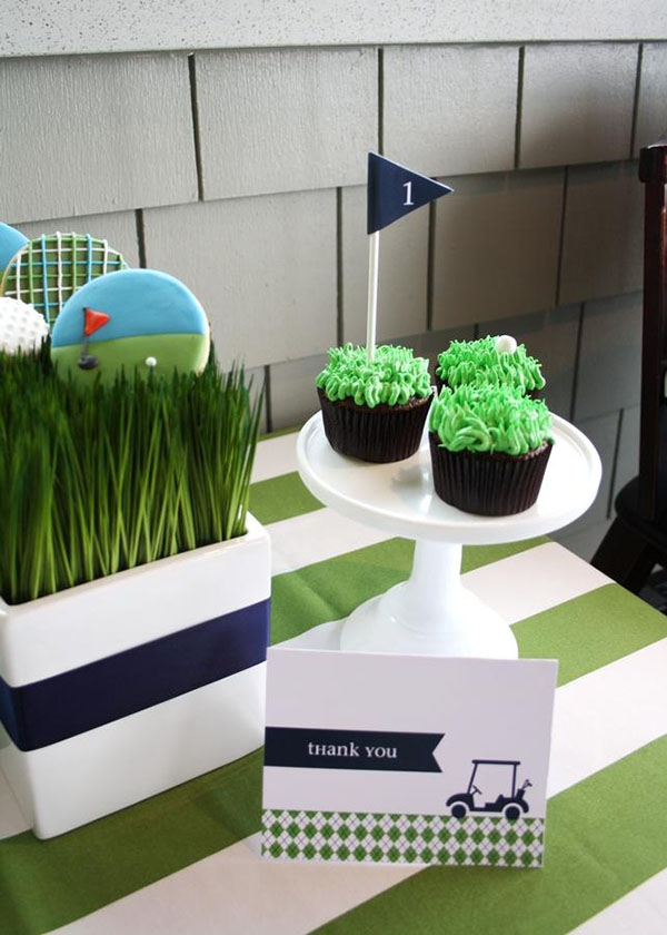 Lovely golf party cupcakes and cookies!