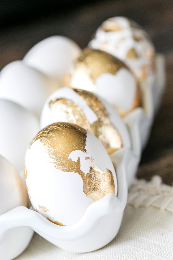 Lovely gold Leaf Easter Egg Ideas!