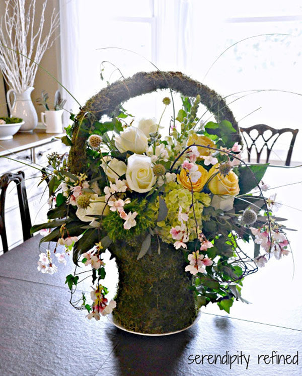 This Spirng mOss Easter Basket would look so lovely on a table!