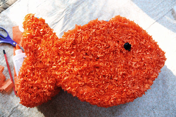 Lovely Goldfish pinata for a party!
