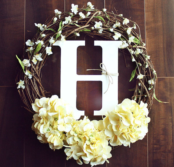 Monogram wreath that is just perfect for Mother's Day
