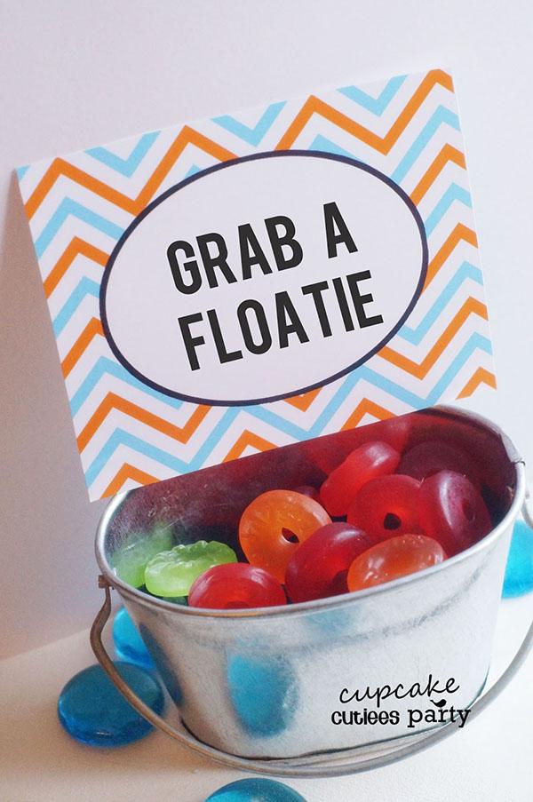 Pool party gummy floaties