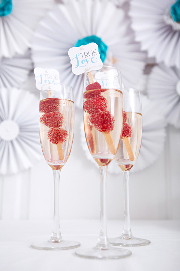 These Champagne Flutes Are Perfect For A Bridal Shower