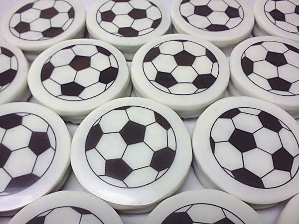 Etsy Find- Soccer Ball Chocolate Covered Oreos