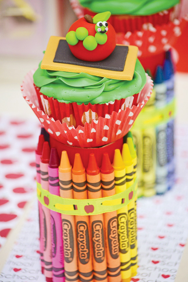 Crayon decoration For Back To School Party