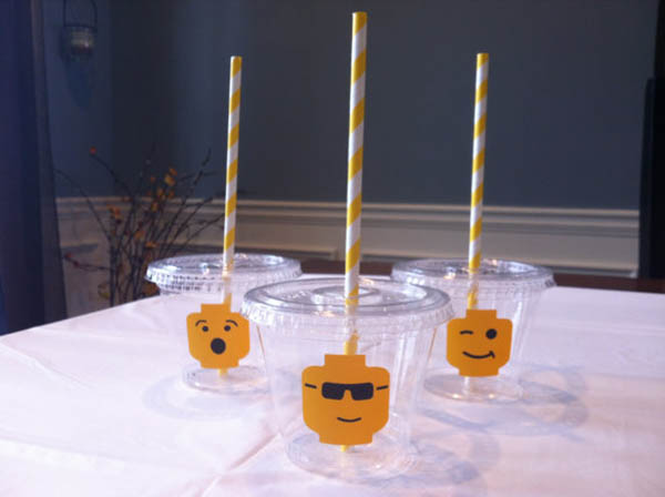 Love these lego pary cups!