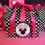 Lovely favor boxes at this Minnie mouse party!