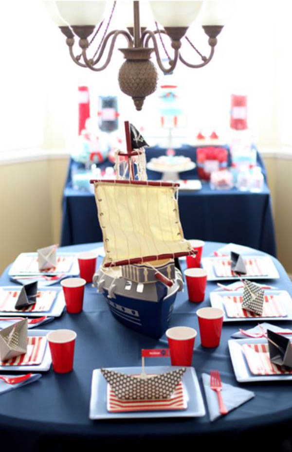 Oh my gosh this pirate party guest table is amazing!